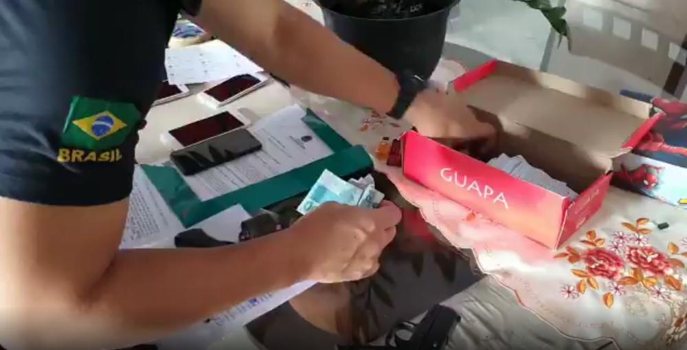 PF realiza busca e apreensão na casa de mulher suspeita de fraudar benefícios previdenciários no Pará