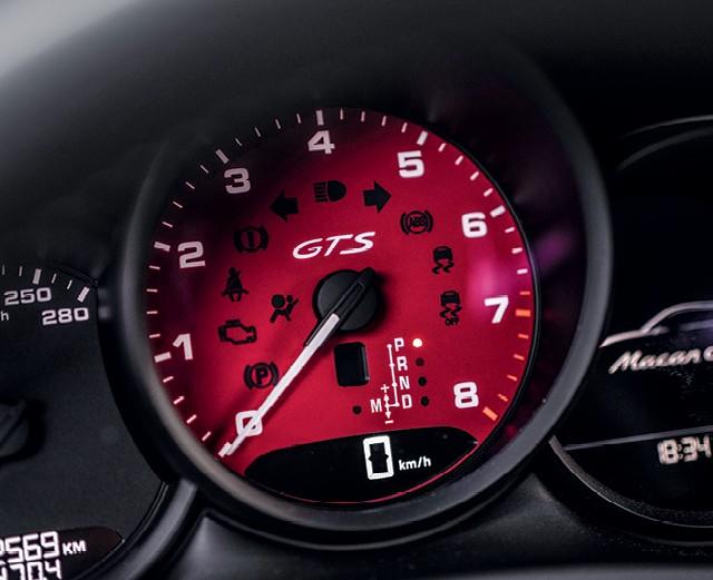 Porsche Macan GT: Conta-giros pode ser vermelho ou creme (Foto: Divulgação)