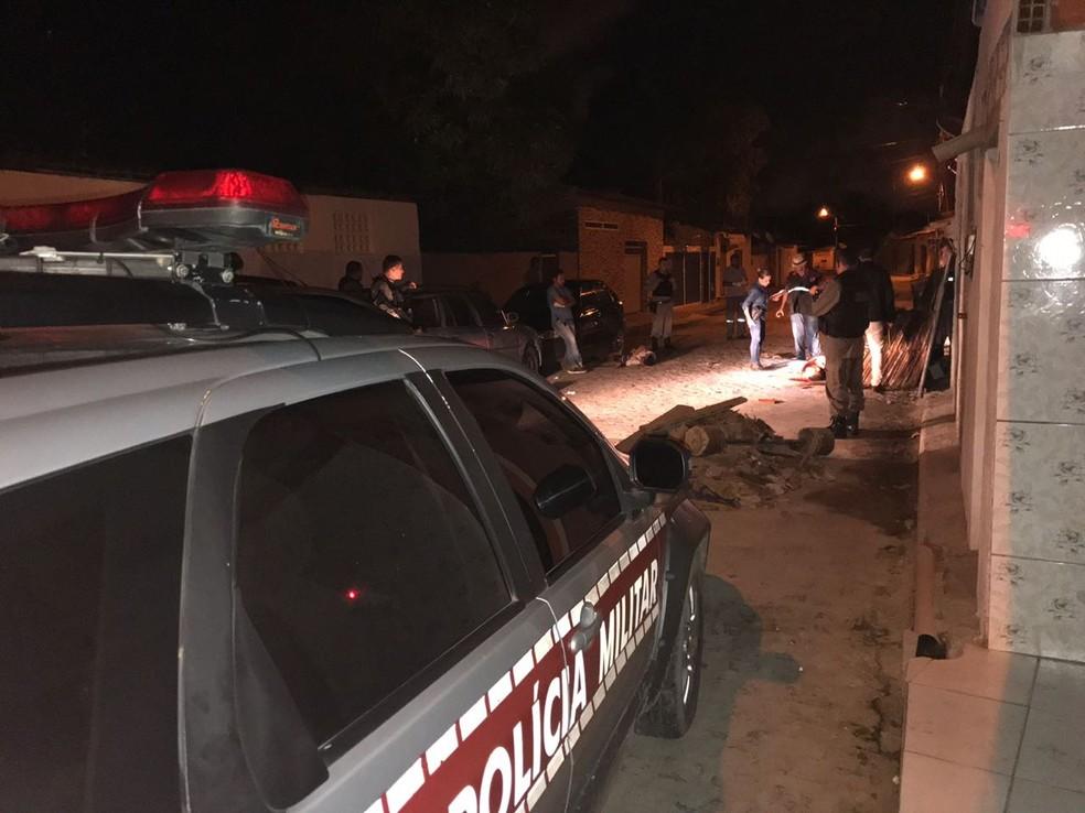Os quatro corpos foram encontrados perfurados a balas na madrugada do dia 4 de abril de 2018, em Cabedelo — Foto: Walter Paparazzo/G1