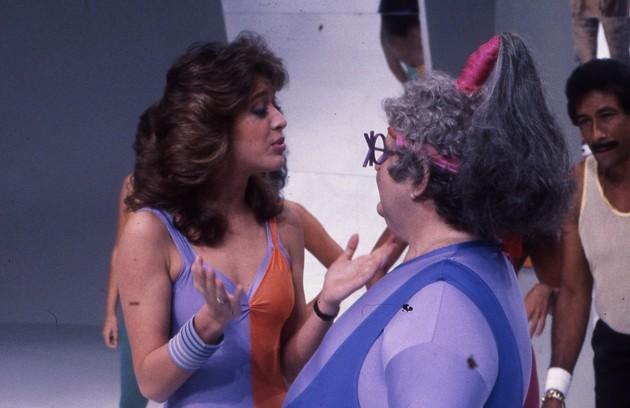 """Em 1984, Claudia Raia e Jô Soares se conhecerem na estreia da atriz na TV, no programa """"Viva o Gordo"""". Eles acabaram se casando no mesmo ano e se separando dois anos depois (Foto: Arquivo O Globo)"""