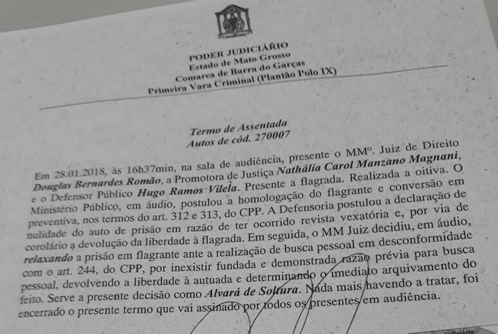 Documento da audiência de custódia em Barra do Garças (Foto: Divulgação)