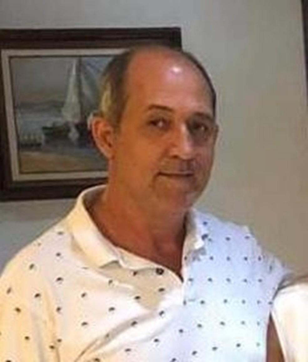 O comerciante Jorge Antônio Moraes, de 51 anos, foi baleado antes da entrada dos assassinos na escola e morreu; ele é tio de Guilherme, um dos assassinos. — Foto: Arquivo Pessoal