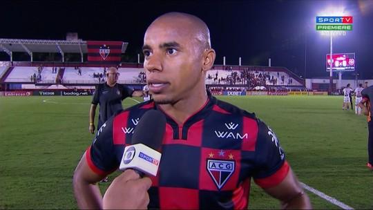 Reginaldo sai na bronca com a arbitragem, lamenta empate do Atlético-GO em casa e mira o Sport