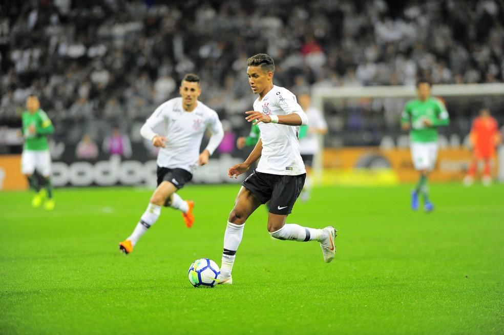 Entrada de Pedrinho deixou Corinthians mais veloz (Foto: Marcos Ribolli)