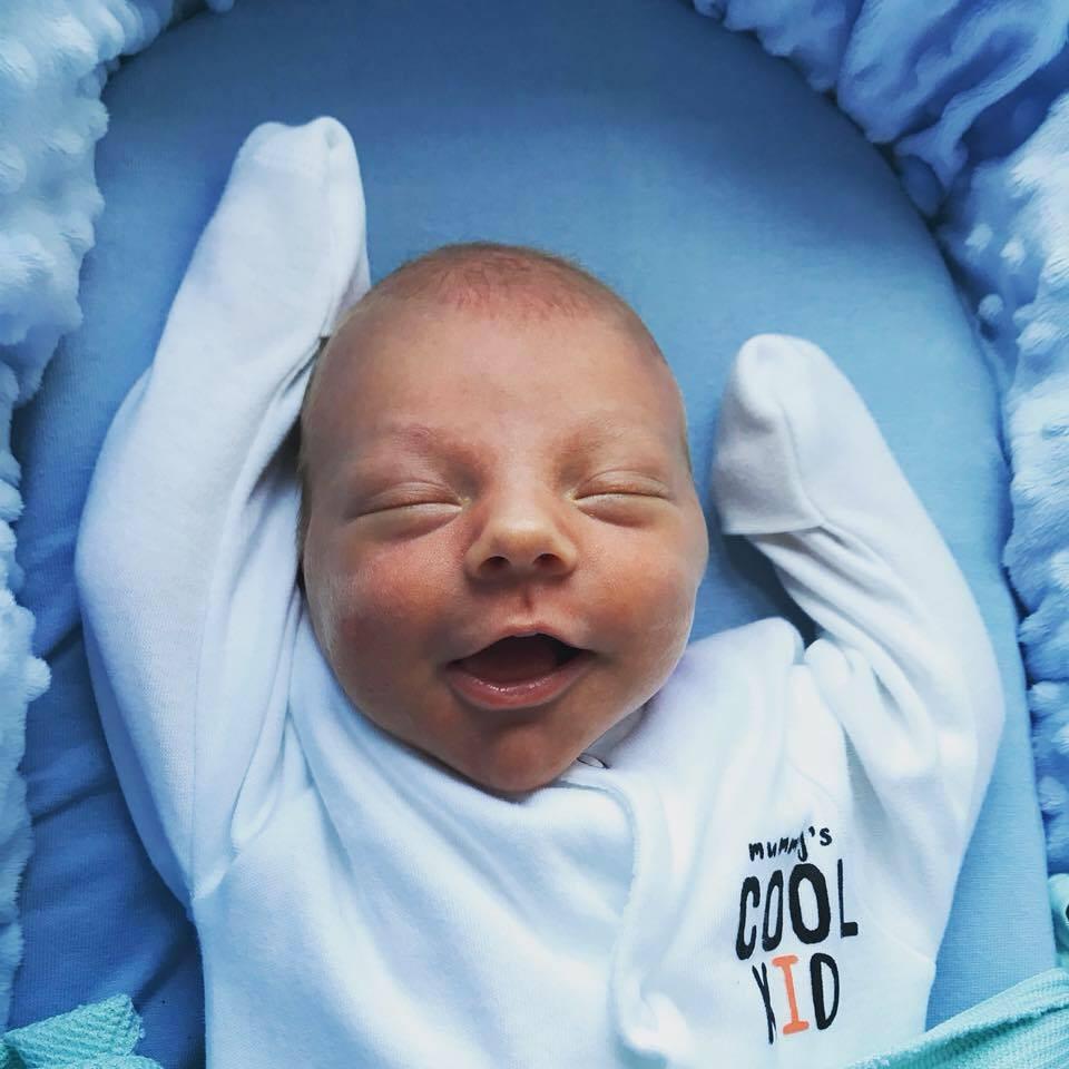 Jack decidiu chegar ao mundo de uma maneira rápida, três semanas antes do esperado  (Foto: Reprodução/ Facebook)