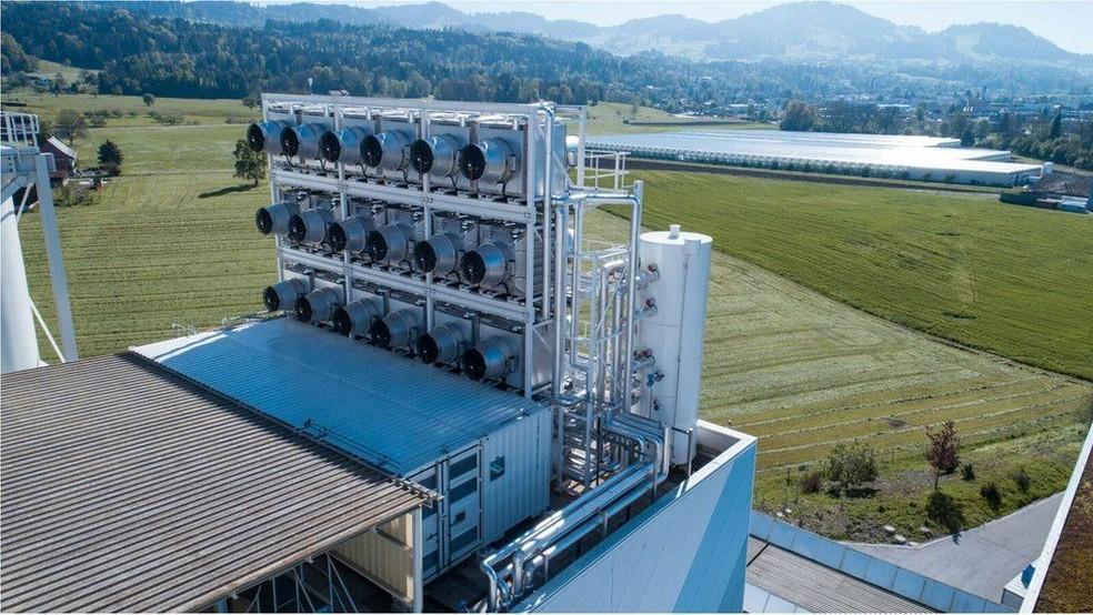Atualmente, o CO2 absorvido pelo dispositivo é vendido por US$ 600 a tonelada (Foto: Climeworks)