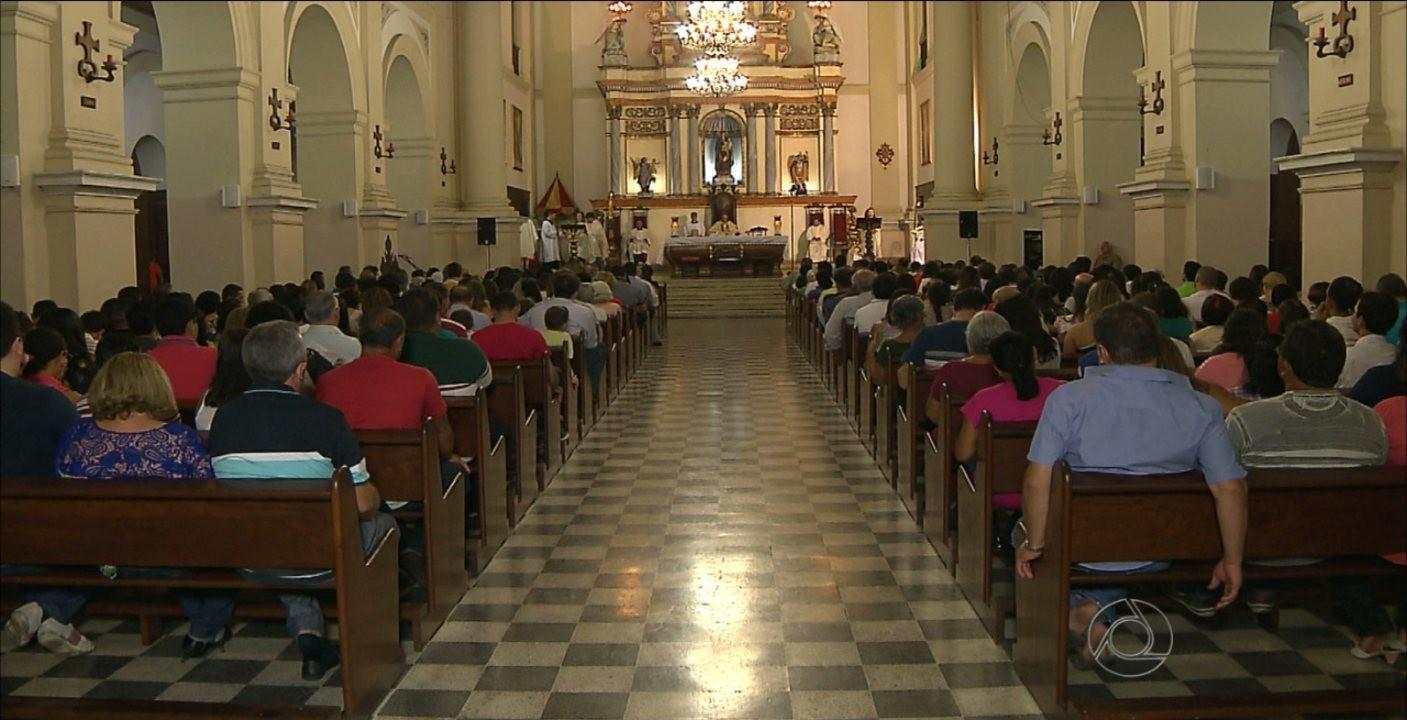 Programação da quinta-feira Santa tem missas e 'Procissão do Silêncio', na Paraíba