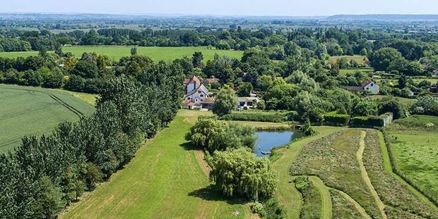 Fazenda autossustentável na Inglaterra (Foto: Divulgação)