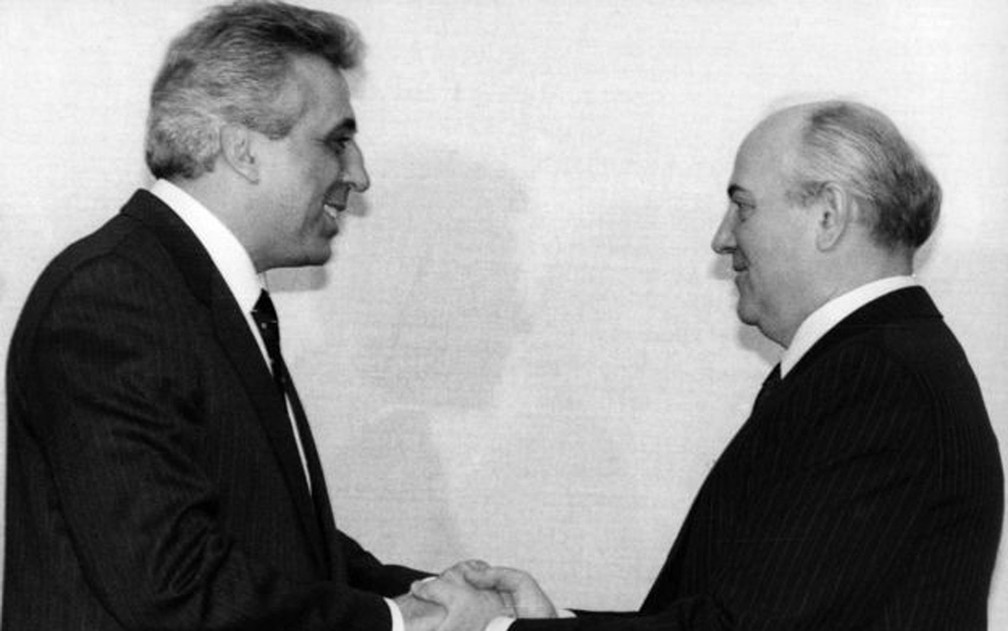 Looking back on his first visit to Moscow as a communist leader, Egon Krenz believes he was betrayed; in the photo with Mikhail Gorbachev, 1 November 1989 - Photo: Getty Images / BBC