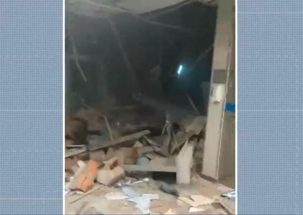 Grupos armados explodiram 3 agências bancárias em Correntina, oeste da Bahia — Foto: Reprodução/TV Bahia