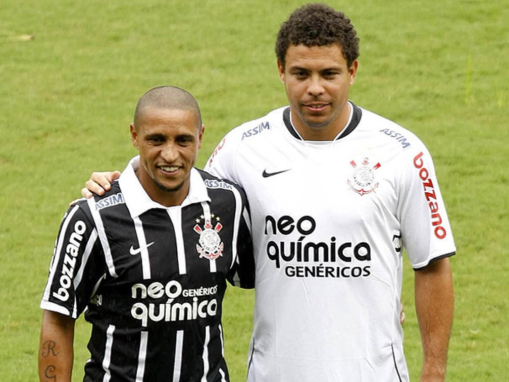 Roberto Carlos e Ronaldo juntos no Corinthians em 2010 — Foto: Arquivo ge