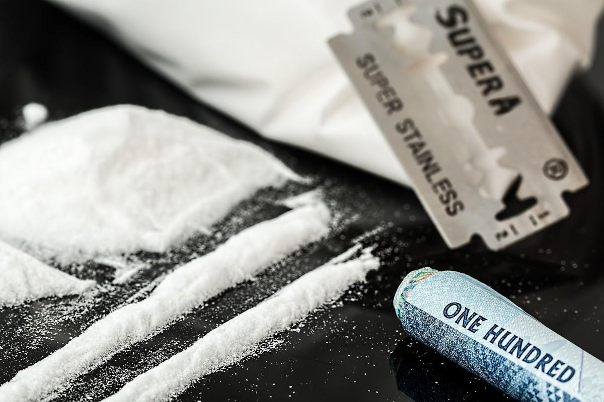 Estudo com ratos mostra que consumir bebidas alcoólicas aumenta chance de vício em cocaína