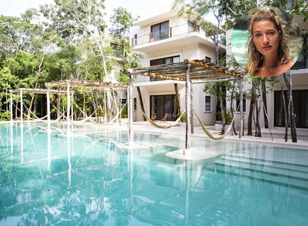 O hotel Holistika recebe a influenciadora digital e seus amigos em Tulum no México. Com redes de balanço, a piscina é cercada pelos quartos individuais do local (Foto: Booking.com/ Reprodução)