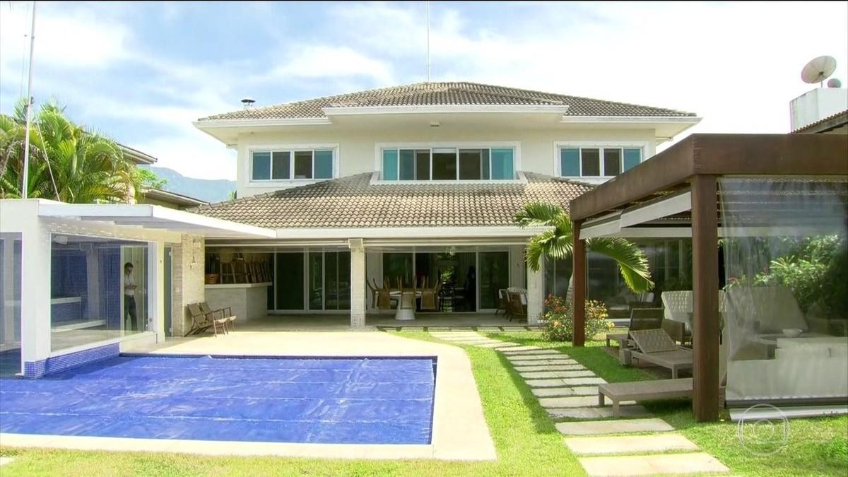 Veja como a luxuosa casa de praia de cabral que ser for Fotos de casas modernas brasileiras