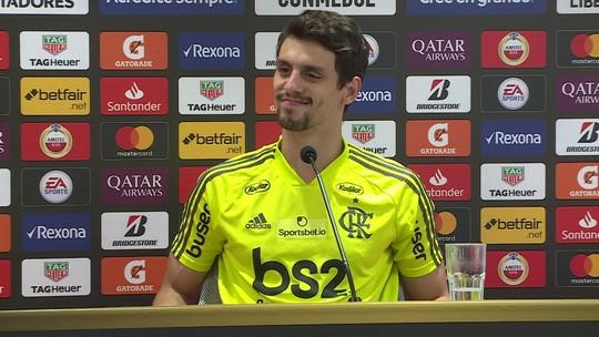 """Rodrigo Caio tira lição de clássicos, vê Flamengo calejado para final e avisa: """"Não tenho medo de nada"""""""