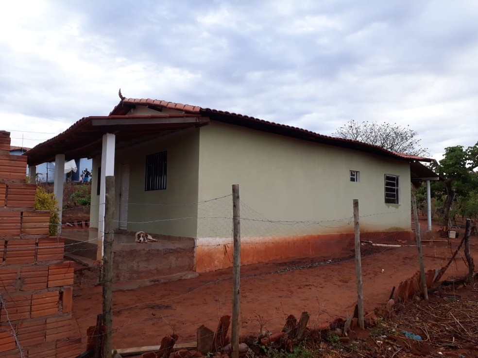 Casa fica na Comunidade de Vila do Morro, na zona rural de São Francisco — Foto: Polícia Militar/Divulgação