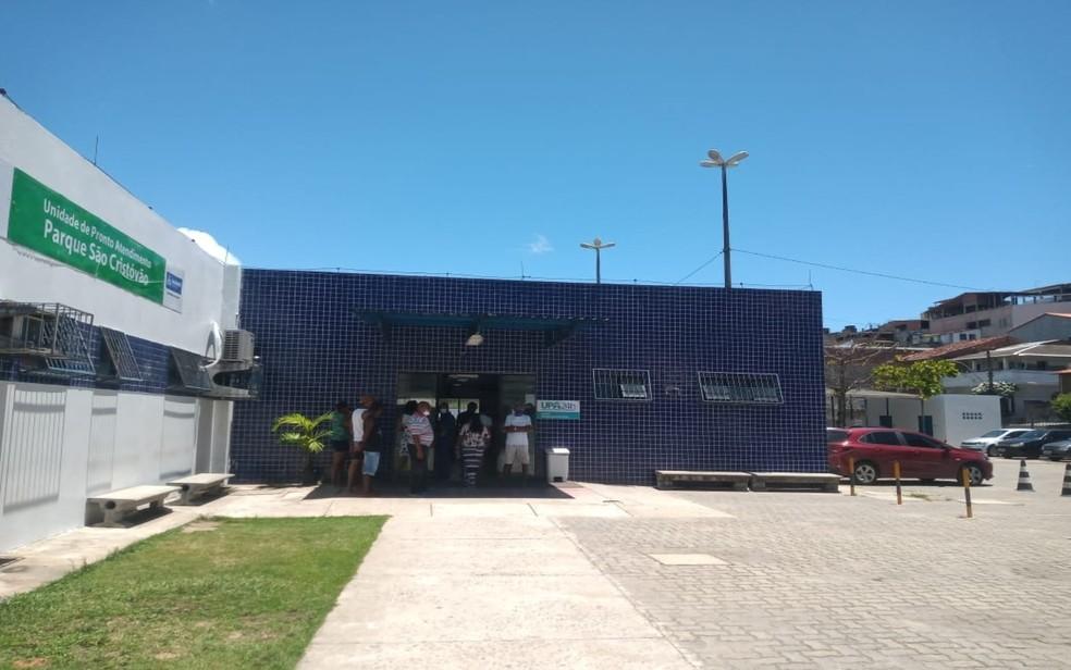 Menina foi levada para a UPA de São Cristovão. — Foto: Cid Vaz / TV Bahia