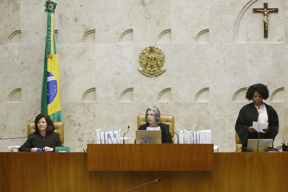 A procuradora-geral da República, Raquel Dodge (à esquerda), durante julgamento de habeas corpus de Lula no Supremo Tribunal Federal (Foto: Fellipe Sampaio/STF)