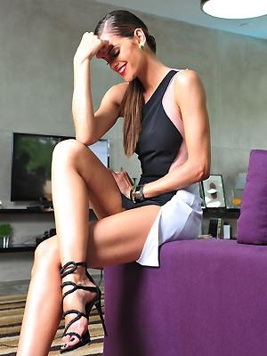 Izabel Goulart (Photo By Deco Rodrigues