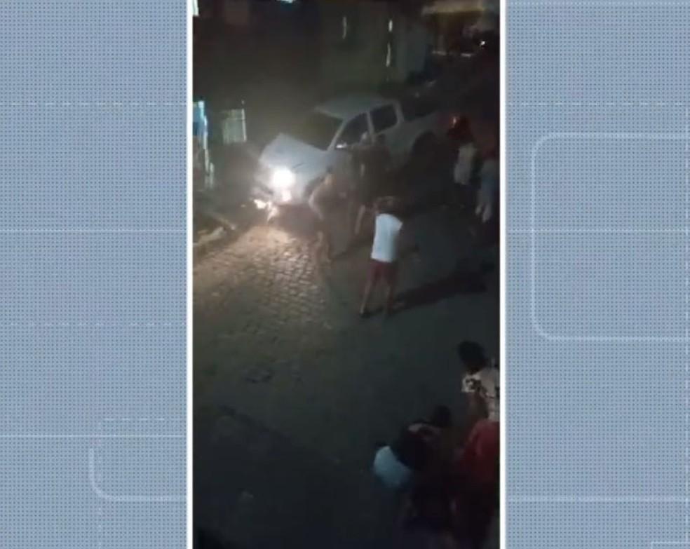Criança de 4 anos morre após ser atropelada por caminhonete no sul da Bahia — Foto: Reprodução/TV Bahia