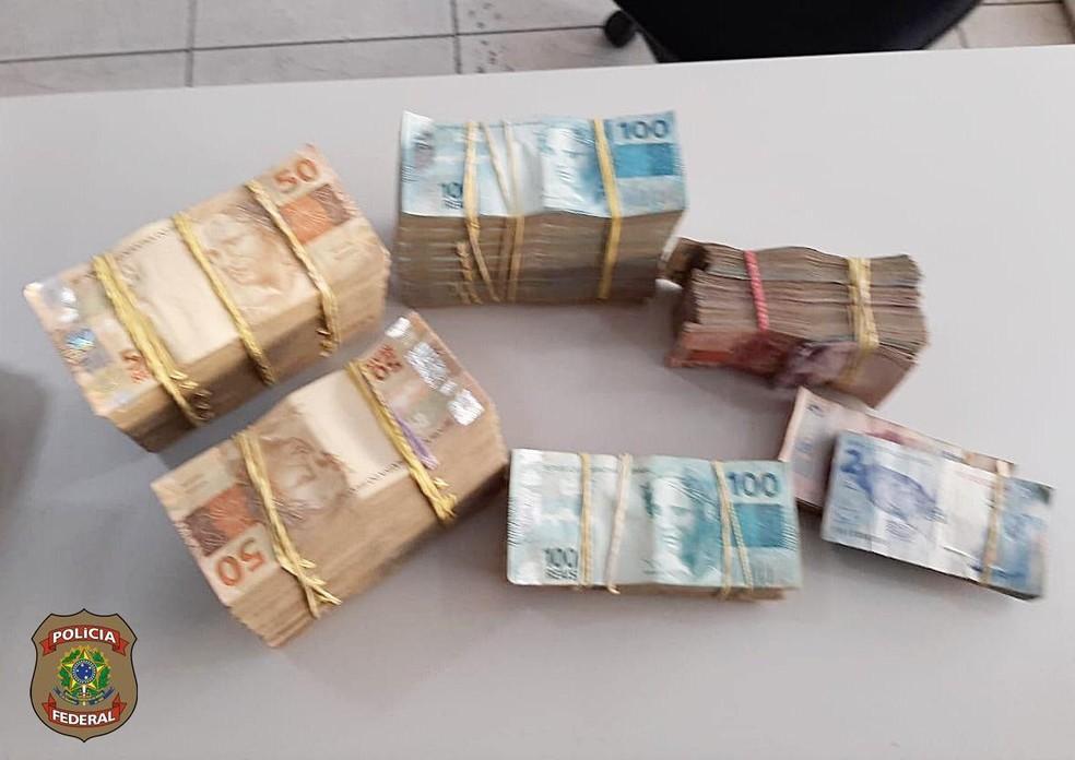 PF apreendeu R$ 100 mil em um posto de gasolina que tem como donos dois alvos da operação Lava Jato desta quinta-feira (5) — Foto: Divulgação/PF