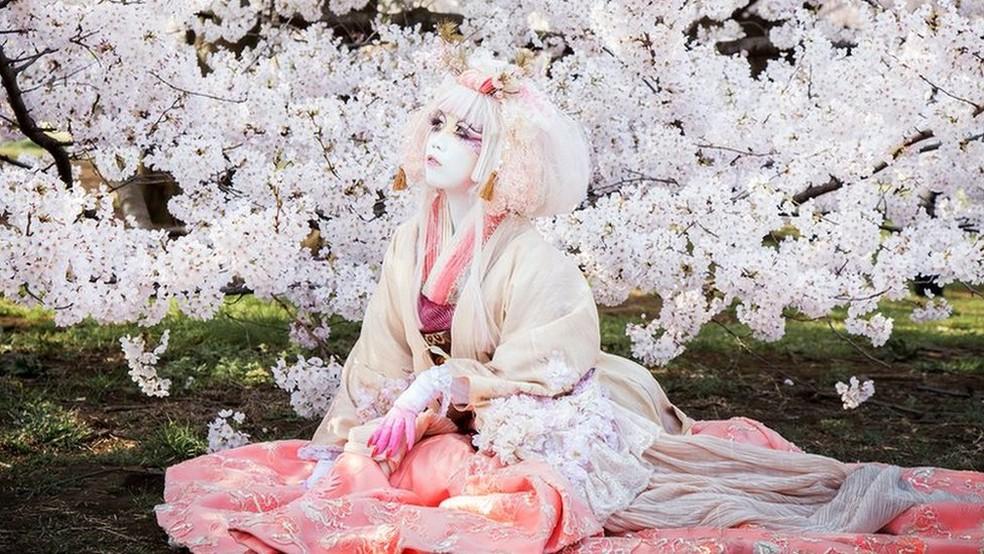 -  Minori diz que busca inspiração na natureza para sua arte  Foto: Teppei Takazawa/Minori