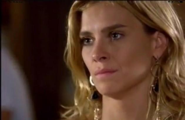 Na segunda-feira (25), Quinzé (Malvino Salvador) descobrirá que Teodora (Carolina Dieckmann) pretende brigar pela guarda do filho (Foto: TV Globo)