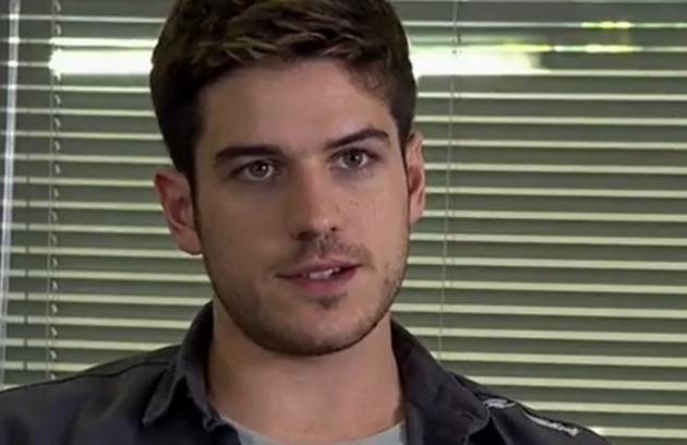 Na segunda-feira (22), Rafael (Marco Pigossi) será condenado por seus crimes e Amália (Sophie Charlotte) sofrerá (Foto: TV Globo)