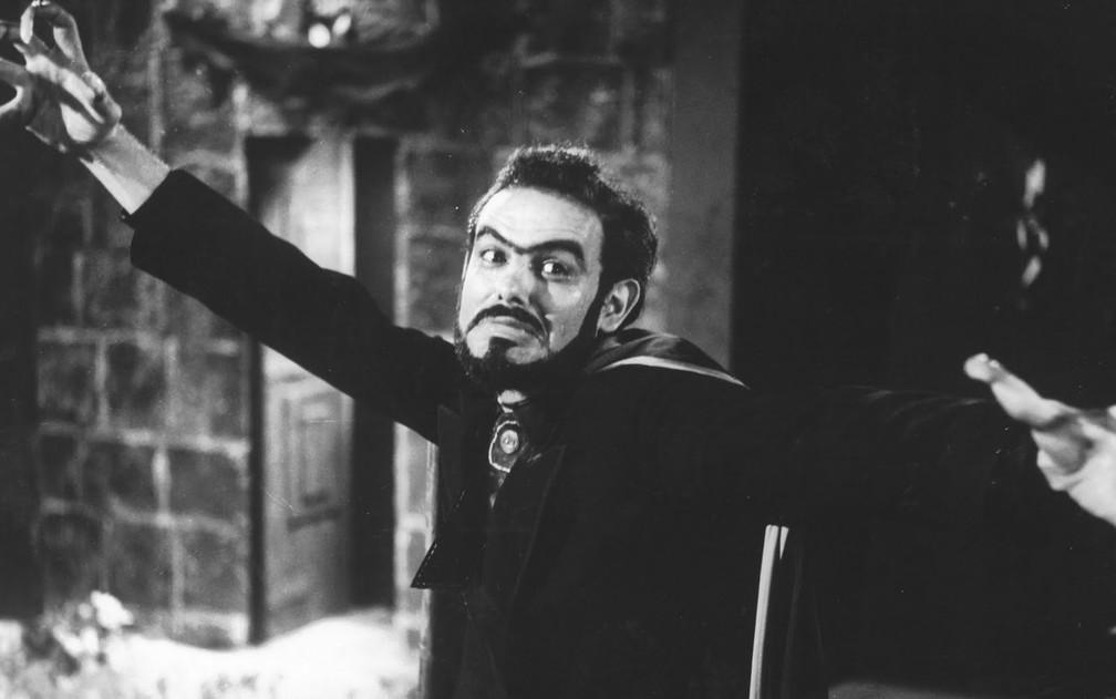 Zé do Caixão em 'Esta noite encarnarei no teu cadáver', de 1967 — Foto: Divulgação