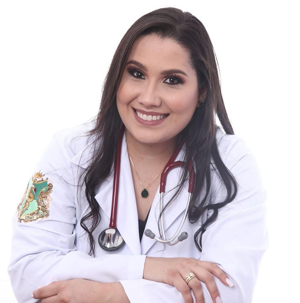 Monique Silva Batista, de 29 anos, morreu com Covid-19 em Cuiabá — Foto: Facebook