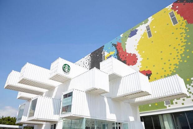 Kengo Kuma assina primeira Starbucks no Pacífico Asiático (Foto: Divulgação)