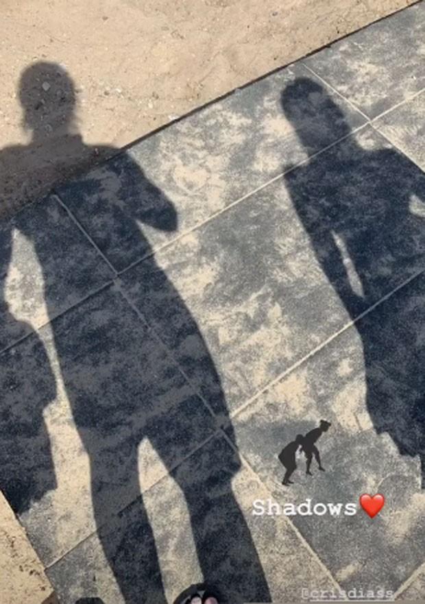 As sombras de Caio Paduan e Cris Dias (Foto: Reprodução)