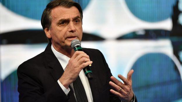 Jair Bolsonaro sofre, na avaliação de Miesel, grandes riscos de não conseguir aprovar suas medidas por falta de apoio parlamentar e a possibilidade de que elas sejam rejeitadas pela Justiça (Foto: NELSON ALMEIDA/BBC)