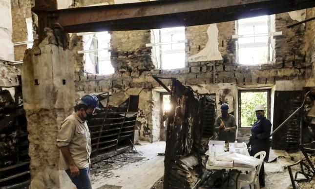 Museu Nacional, em escombros após o incêndio ganha verba do Ministério Público do Trabalho
