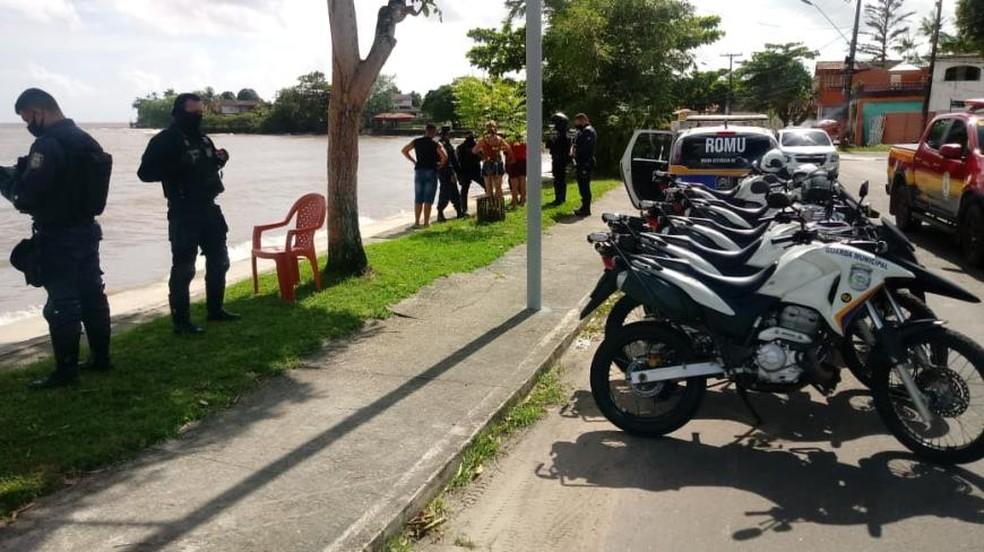 Ação de fiscalização em Mosqueiro, distrito de Belém. — Foto: Agência Belém