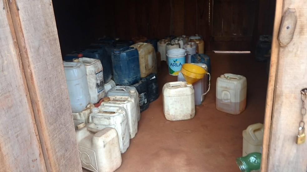 PRF tenta combater o comércio de combustível em Rondônia — Foto: PRF/Divulgação