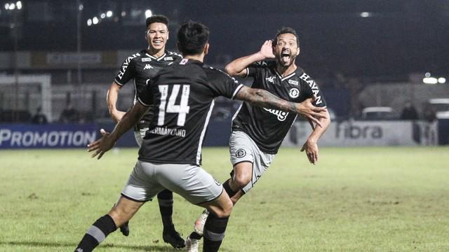 Brusque x Vasco gol Nenê Série B
