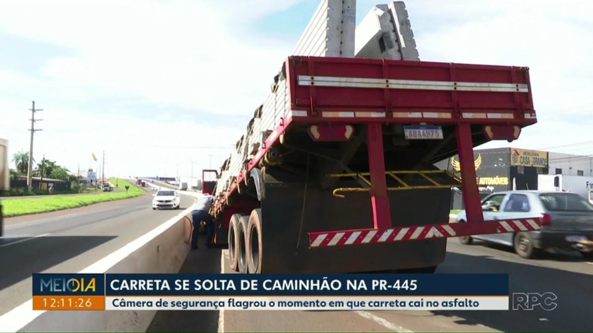 Câmera flagra momento em que carreta se solta de caminhão na PR-445; VÍDEO