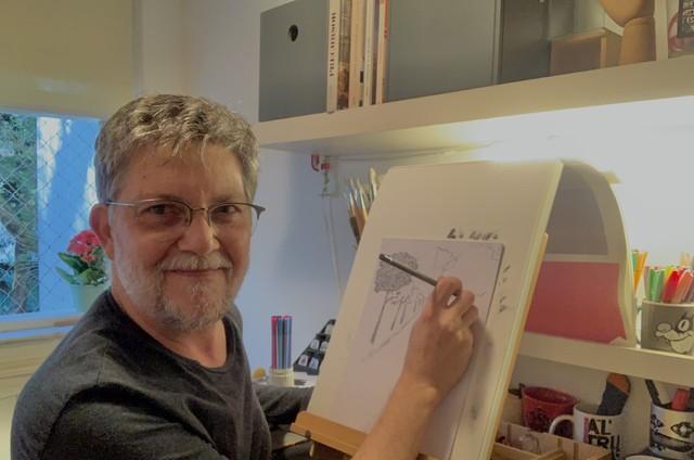 Kiko Mascarenhas vem fazendo um curso online de desenho (Foto: Arquivo pessoal)