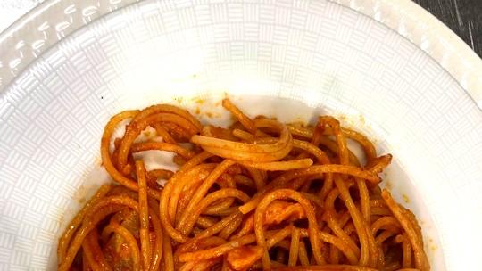 Espaguete à Matriciana do italiano Alberto Mezzetti