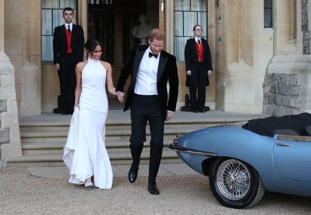 Príncipe Harry e Meghan Markle saem do Castelo de Windsor para a recepção do casamento saem do Castelo de Windsor para a recepção do casamento (Foto: Steve Parsons - WPA Pool/Getty Images)