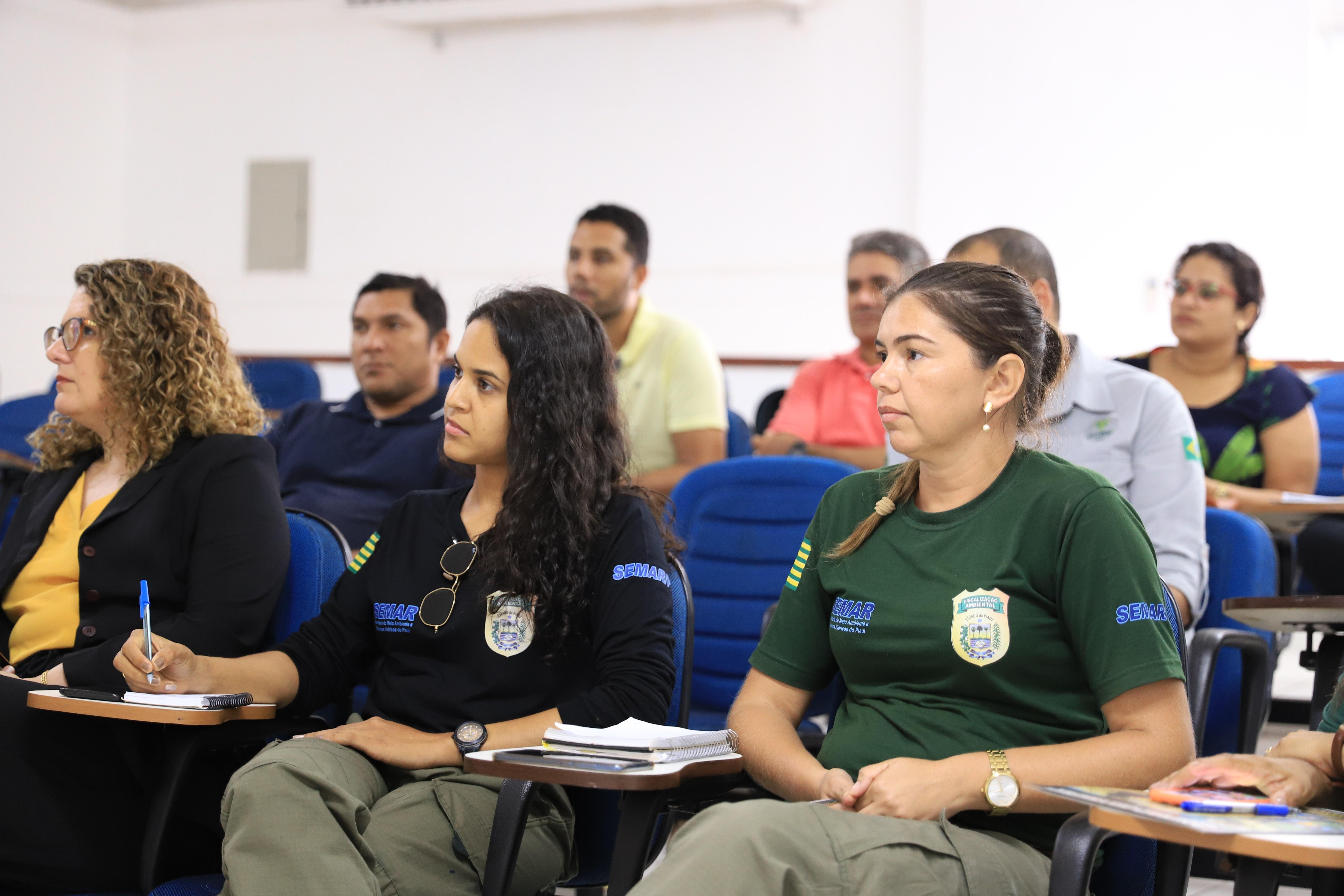 Reunião da Semar discute atuação das prefeituras e órgãos sobre manchas de óleo no Litoral do PI - Notícias - Plantão Diário