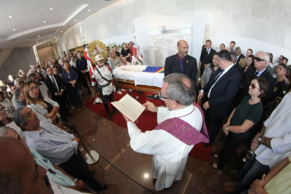 Missa em homenagem ao deputado estadual Guilherme Uchoa (Foto: Marlon Costa/Pernambuco Press)