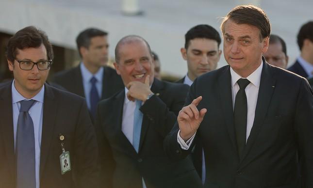 O chefe da Secom, Fabio Wajngarten, e o presidente Jair Bolsonaro