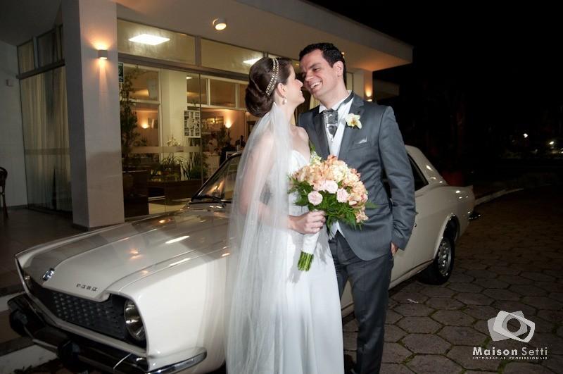Realizando sonhos e levando noivas da mesma família ao altar: conheça histórias de admiradores catarinenses da Ford
