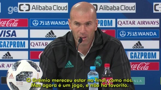 """Zidane vê CR7 """"muito melhor"""", mas diz respeitar opinião de Renato Gaúcho"""