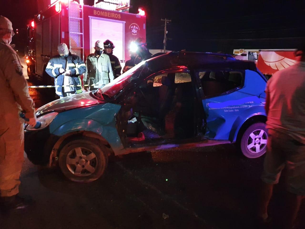 Carreta atinge veículo e três ficam feridos na BR-010, no Maranhão