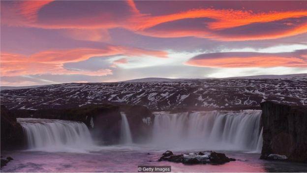Islândia tem farto suprimento de energia em seu subsolo (Foto: Getty Images via BBC News Brasil)