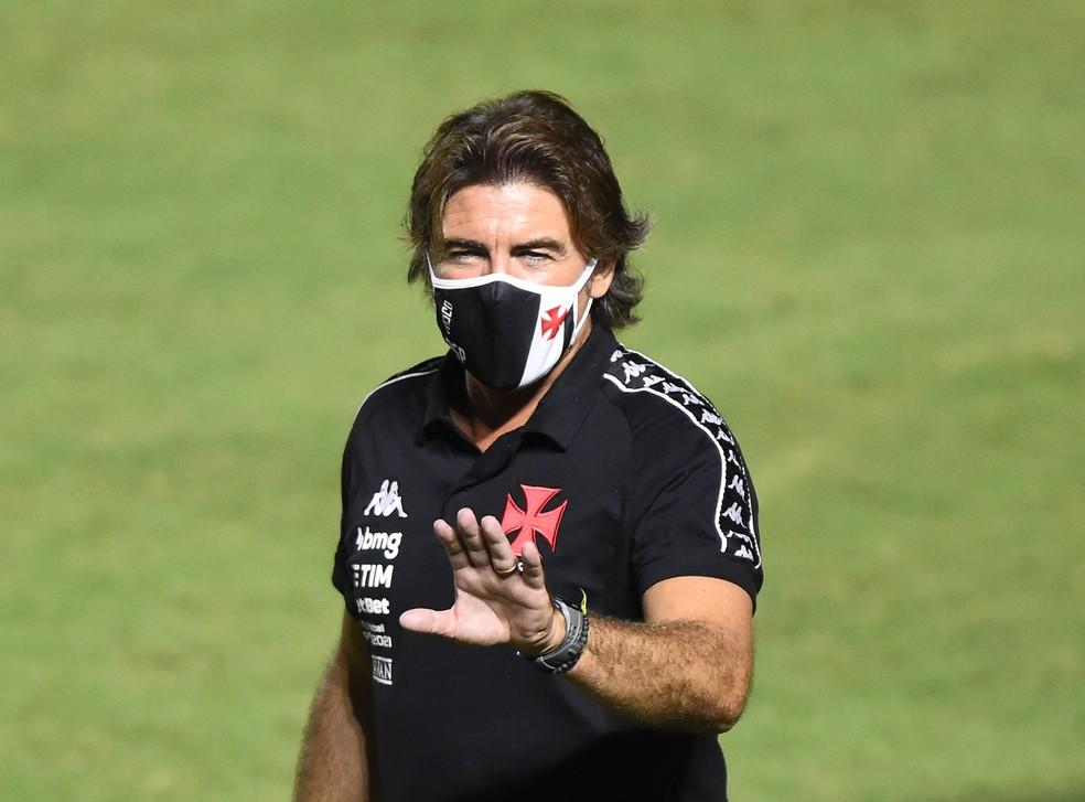 Ricardo Sá Pinto Vasco x Corinthians — Foto: André Durão