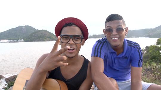 Lucas e Orelha, vencedores do 'SuperStar', fazem versão de Baile de Favela